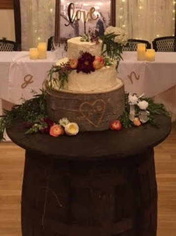 Cake Barrel Table w/Round Tabletop
