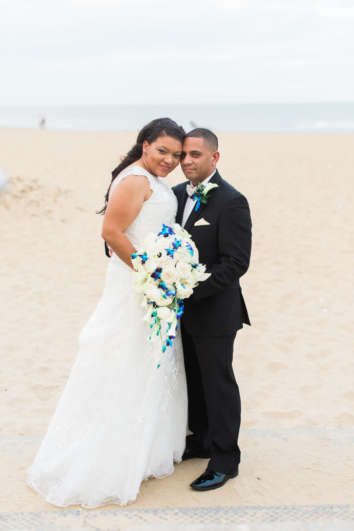 "Real Wedding Review 2017, ""Glam and Sand"" Reception: Nicole & James"
