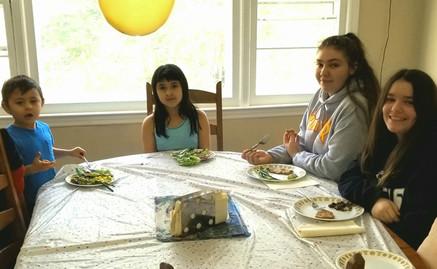 Children eating vegetables