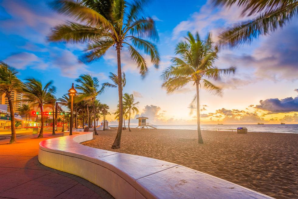 fort-lauderdale-beach-florida-PG34XWH.jp
