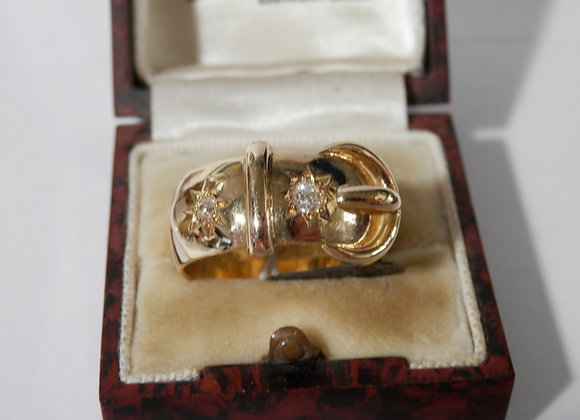 Second Hand 18ct & Diamond Gents Buckle Ring