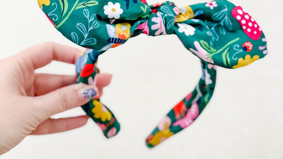 Floral Knot Band