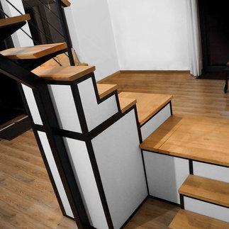 escalier / meuble de rangement