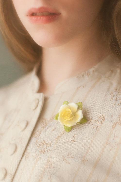 Lovely Vintage China Rose Brooch