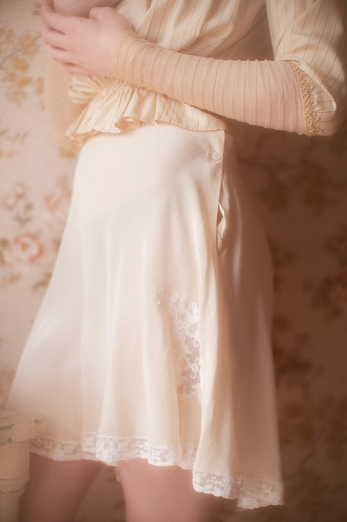 1940s Silk Rayon Cream Floral Lace Motif Tap Pants