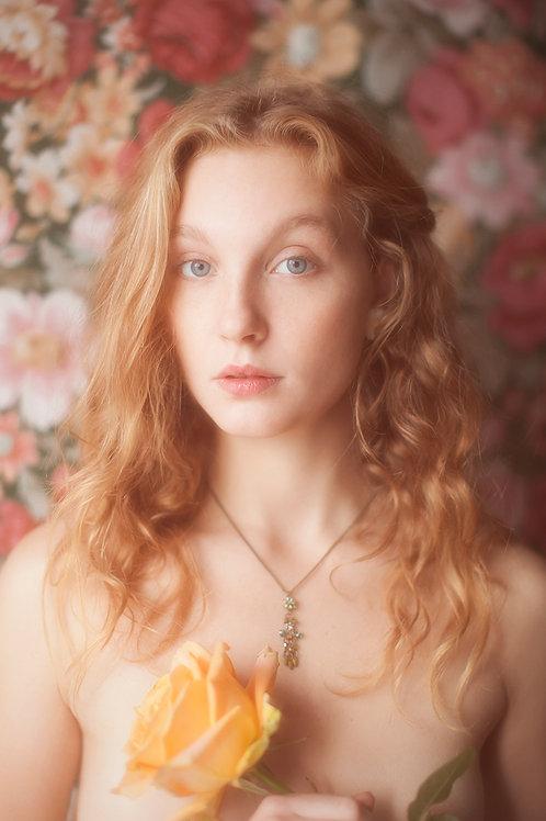 Delicate Antique Style Floral Pendant Necklace