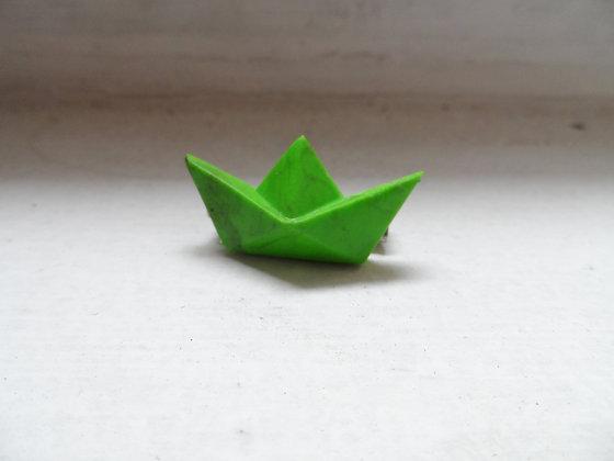 Broche bateau vert