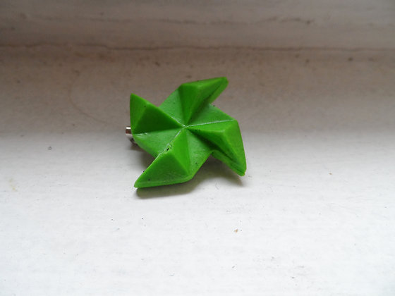 Broche moulin vert