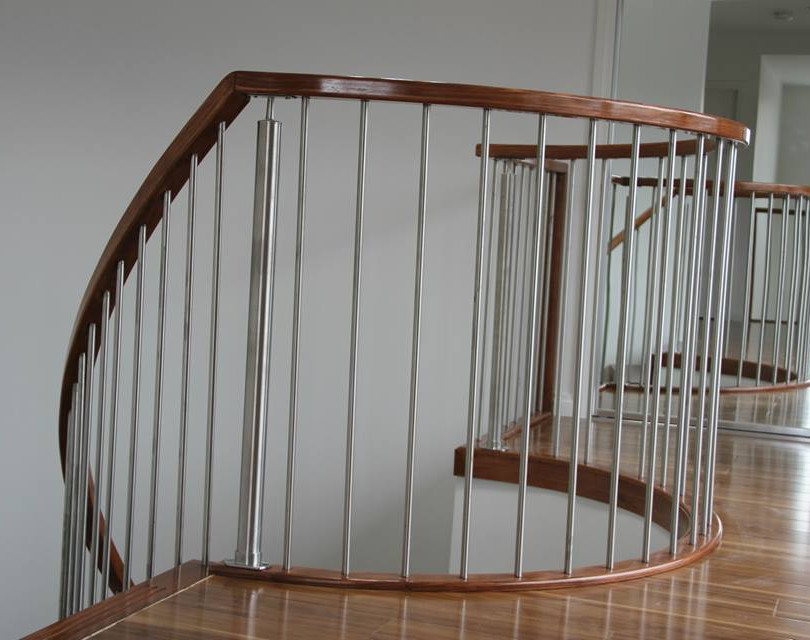 Curce balustrade level.jpg