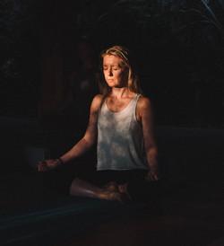 Amanda Bunton meditating