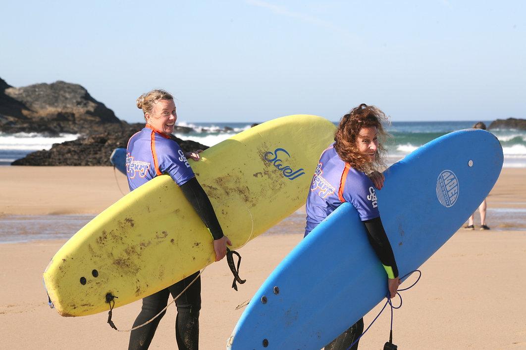 Retreat guests off surfing Women & Water retreat