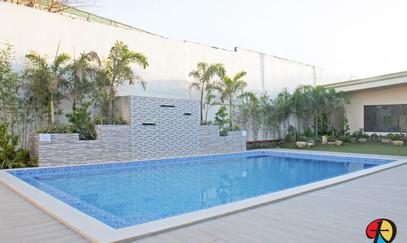 游泳池(1).jpg
