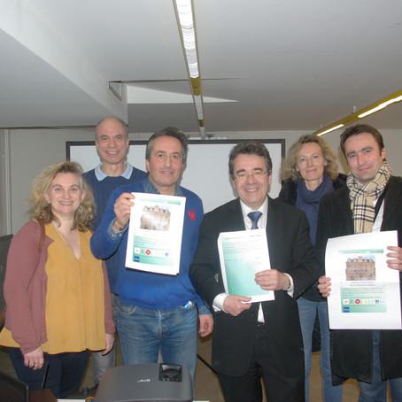 Signature de la charte d'engagement au développement durable par Pierre Bosche