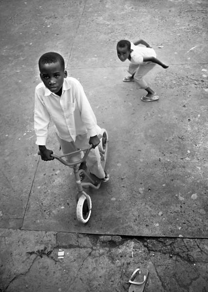 100%_Guinea_E__07_Arturo_Bibang_©.jpg