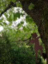 Chez nous les anges grimpent aux arbres!