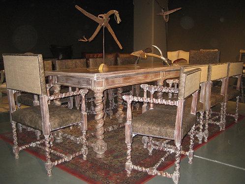 Mesa Jacobino, pieza unica las sillas se vendieron.