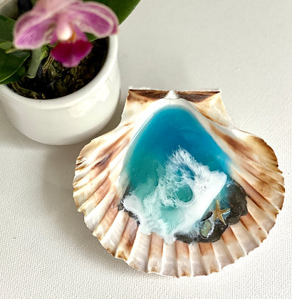 SCALLOPED SHELL TRINKET DISH