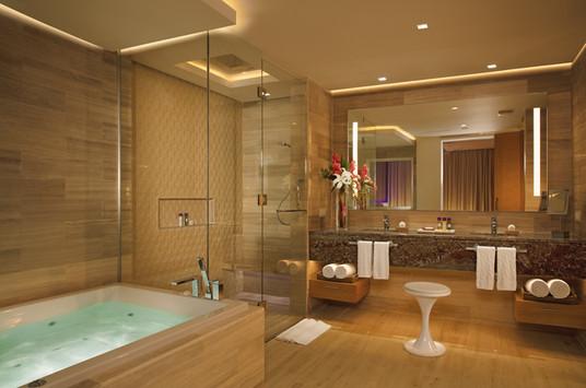 xhale club Master Suite bathroom.jpg