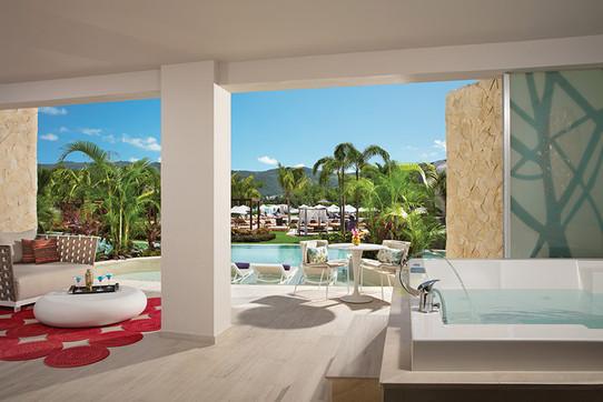 Xhale Club Master Suite Swim Out Terrace