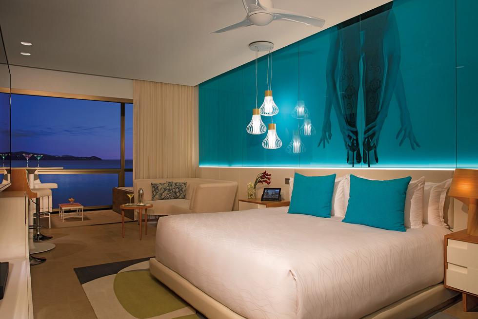 Allure Junior Suite Ocean View King + xh