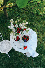 Scène 1 Table fleurie (3).jpg