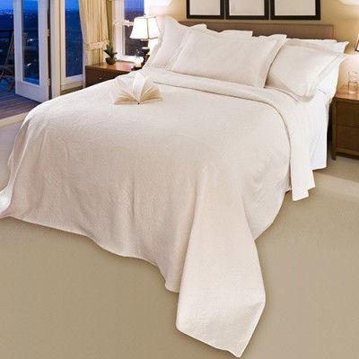 Bedspread-Paisley-Setting-500-400x400.jp
