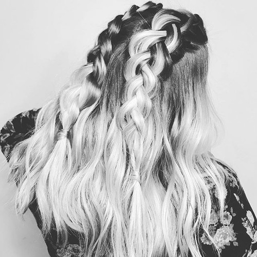 Love this in black & white! By Marisol _beauty.by.jpg