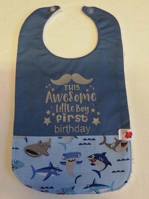 Mijn eerste verjaardag slabbetje  haai/grijs flex