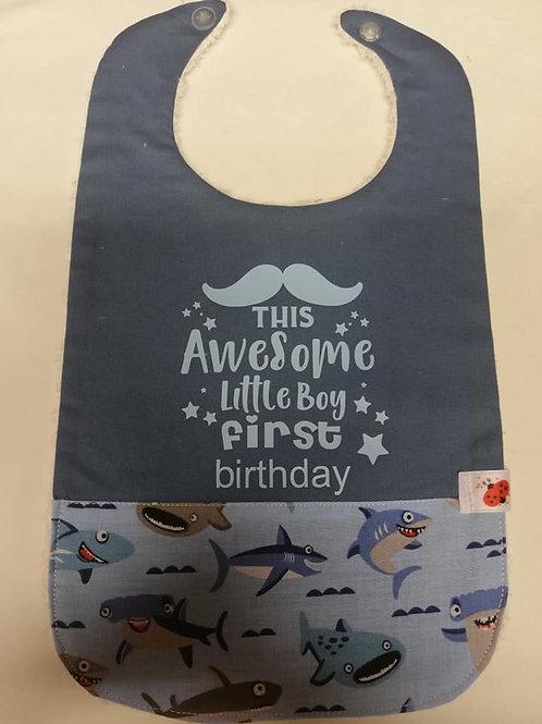 Mijn eerste verjaardag slabbetje haai /lichtblauw flex