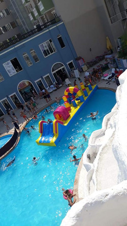 larina family resort havuz 3