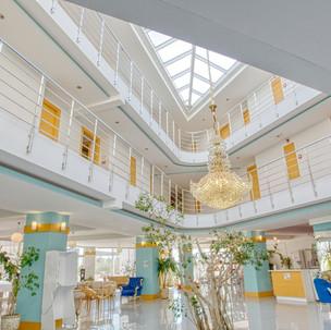Larina Ninova termal lobby.jpg