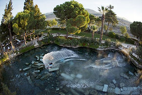 Pamukkale antik termal havuz.jpg