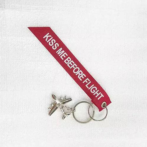 """Schlüsselanhänger """"Kiss me before flight"""""""