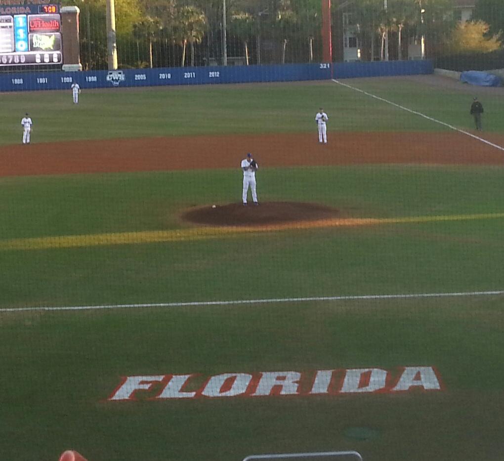 Gators Win Pitchers' Duel