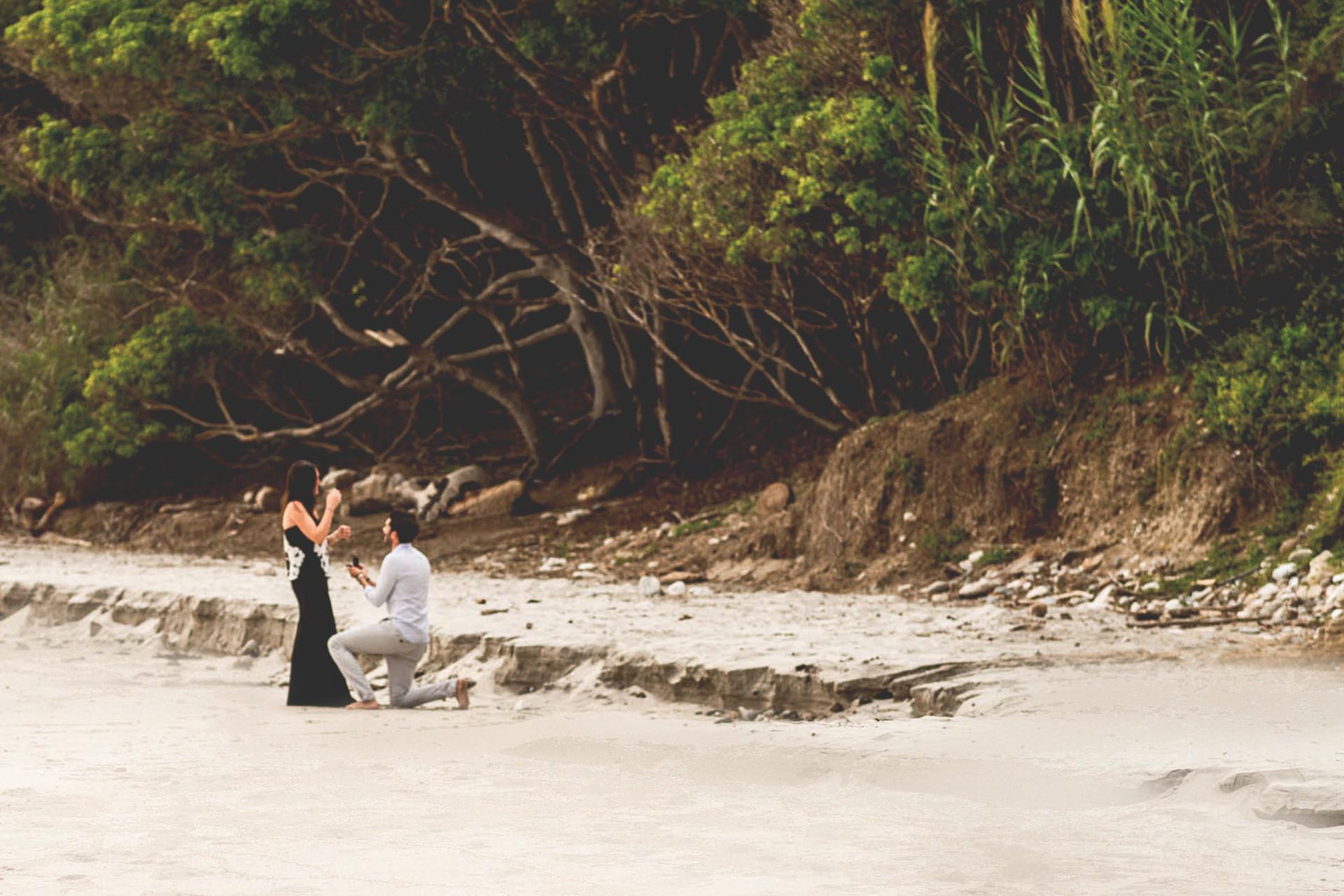 beach-proposal-w-punta-mita-photographer