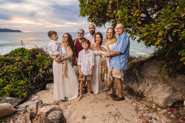 punta_mita_photographer_for_family_photo