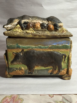 Lidded Hog Box