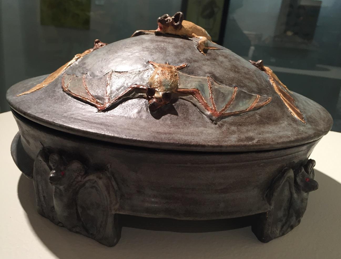 Lidded Bat Pot