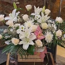 cajas y cestas flor variadas desde 60€