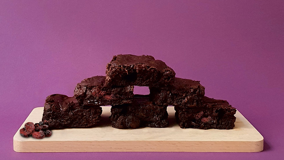 Can't have a date, so let's eat a rum and raisin brownie. (6 pcs per box)