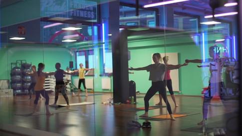 Pink Fitnessclub promo video