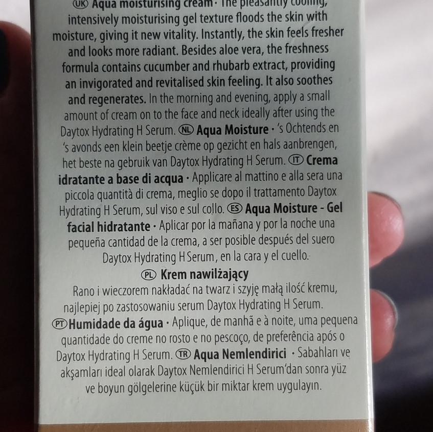 Photo of aqua moisture product box back