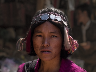 travel photography akha laos woman in traditional clothing