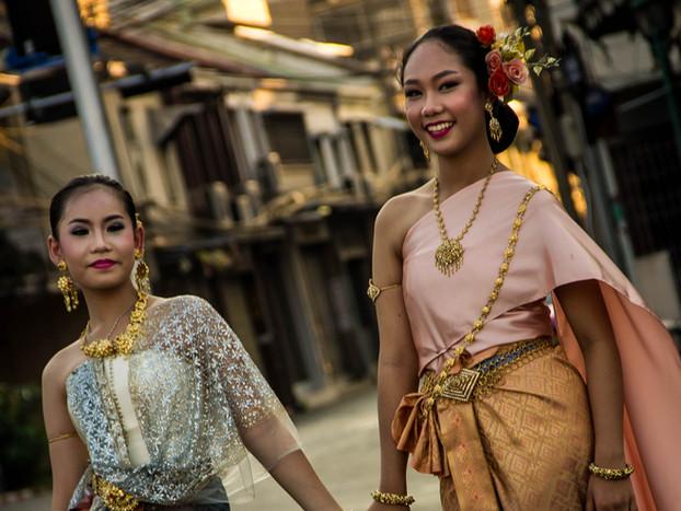 Street Photography Thai Bride in Bangkok
