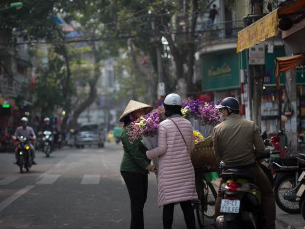 Street Photography flower vendor in Hanoi, Vietnam