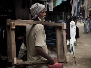 street photography Nepali worker in Kathmandu