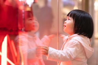 Cuatro consejos y diez preguntas para enseñar a tu hijo a distinguir necesidad y capricho