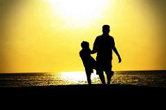 Los 10 errores más graves que cometen los padres al educar a sus hijos.