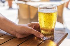 Preocupa consumo de alcohol en adolescentes
