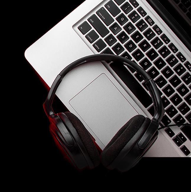 earphones-laptop.png
